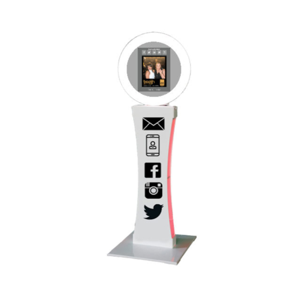 social media photo booth rental michigan 10